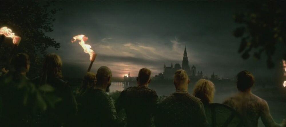 Los Vikingos observando la ciudad de París.