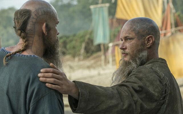 Ragnar despidiéndose de Floki.