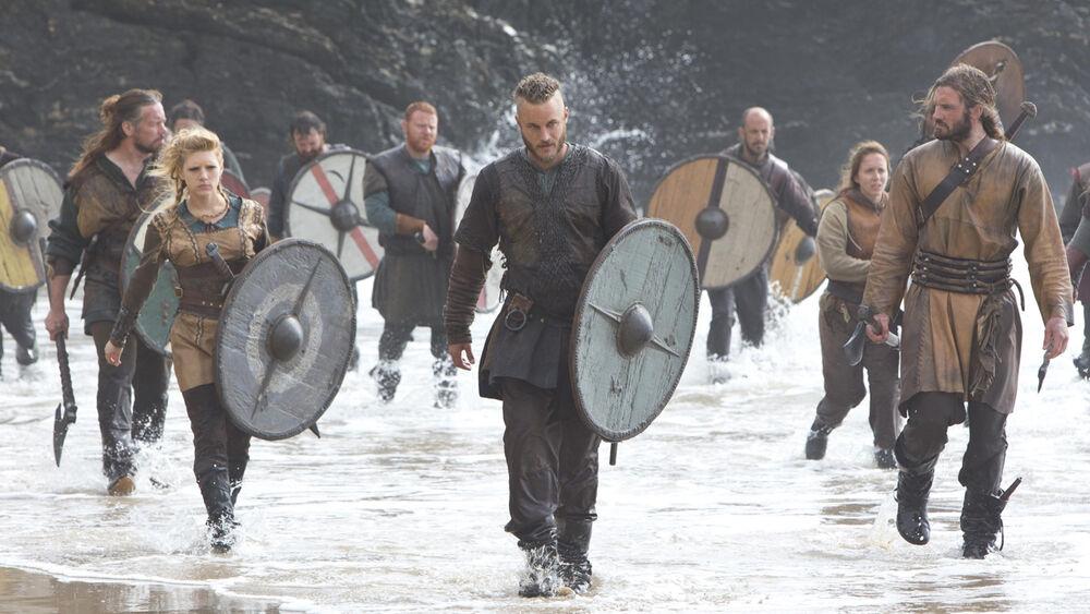 Ragnar y los vikingos llegando a Northumbria.